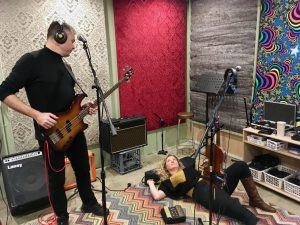 Dave Robertson Kiss List Rehearsing Image